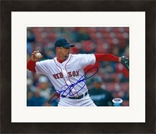 Autograph Warehouse 312932 8 x 10 in. Tim Wakefield Autographed Photo - Boston Red Sox PSA Matted & Framed