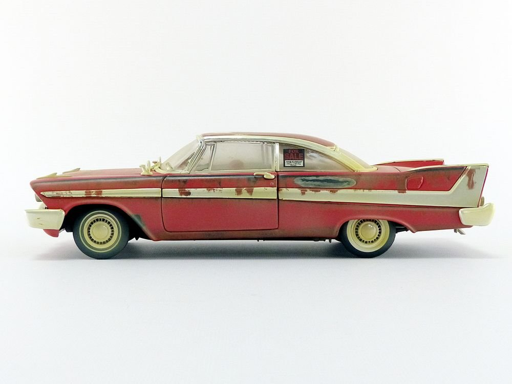 Auto World-Miniature Car Dirty Version Christine 1958Plymouth Fury 1/18Scale, awss119, Red/White by Auto World (Image #1)