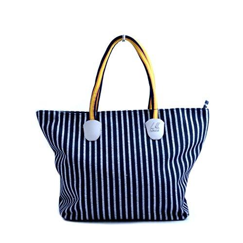 Borsa shopping donna K-Way modello K-Sun in tessuto blu con fantasia a righe bianche. Manici a spalla, tasca interna e chiusura con cerniera.