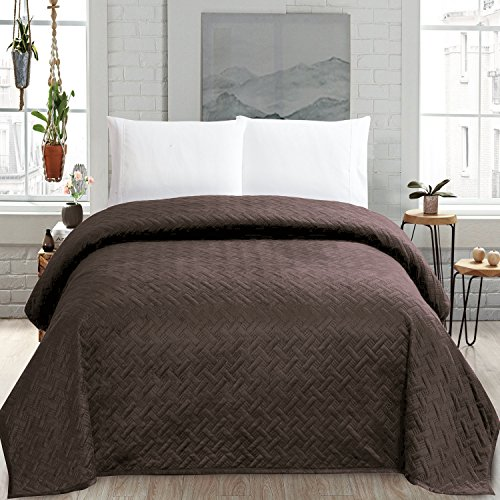 Solid Blanket Microplush King Size Quilt Comforter, Chocolate (Super King Quilt)