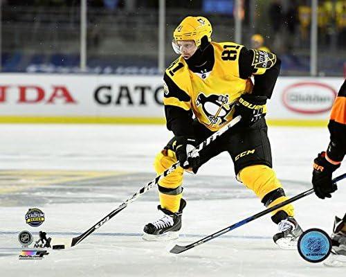 ecb3ca0d9 Amazon.com: Phil Kessel Pittsburgh Penguins 2017 NHL Stadium Series Action  Photo (Size: 8