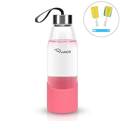 Ryaco Botella de Agua Cristal 500ml, Botella de Agua Reutilizable 16 oz, sin BPA Antideslizante Protección Silicona Llevar Manga y Cepillo de Esponja