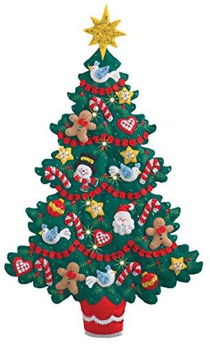 BUCILLA 86738 Felt Applique Wall Hanging Kit Merry & Bright, Size 17