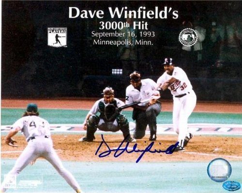 Dave Winfield Signed Photo - 8x10 3000th Hit) - Autographed MLB Photos