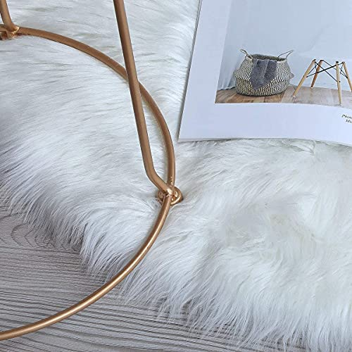 bedee Faux Fur Rug Soft Fluffy Rug, Shaggy Rugs Faux Sheepskin Rug Faux Fleece Chair Cover Seat Pad for Living Room Bedrooms Sofa Floor Kids Room (White, 90 x 90cm)