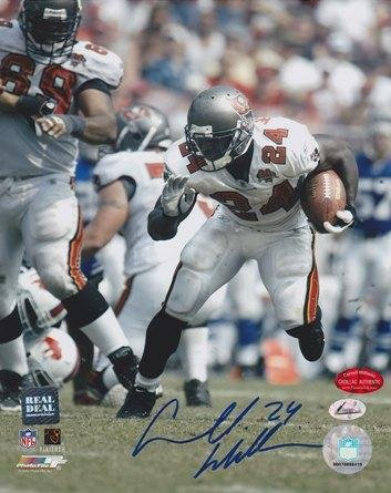 Cadillac Williams Autographed Picture - Carnell Bucs 8x10 - Beckett Authentication - Autographed NFL Photos ()