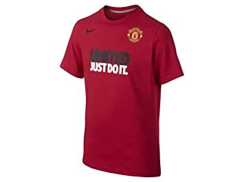 b1491b156ff Nike Manchester United Red T-shirt Size Large  Amazon.in  Sports ...