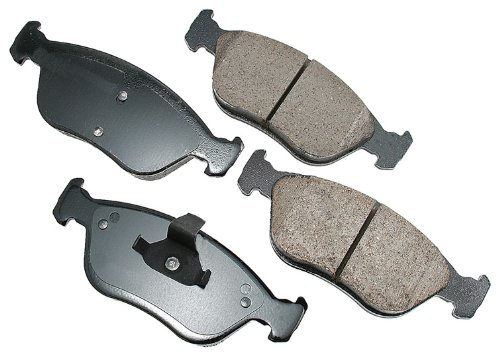 (Akebono EUR783 EURO Ultra-Premium Ceramic Brake Pad Set)