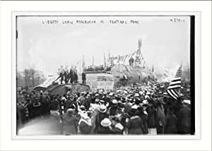 Photo (L): Liberty Loan procession in Central Park