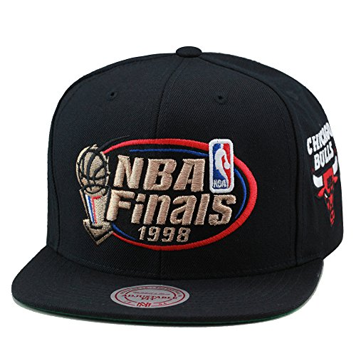 Mitchell & Ness Men's Chicago Bulls 1998 NBA Finals Commemorative Snapback Hat One Size Black