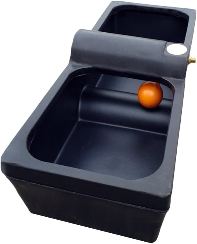 Titan 30 Galón caballo ganado bebedor de Agrícola Agua a través de (Negro)