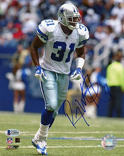 (Roy Williams Autographed Dallas Cowboys 8x10 Photo - BAS COA)