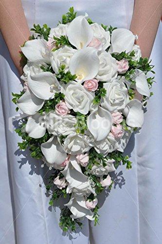 Ramo de flores blancas en cascadahttps://amzn.to/2yFeoF5