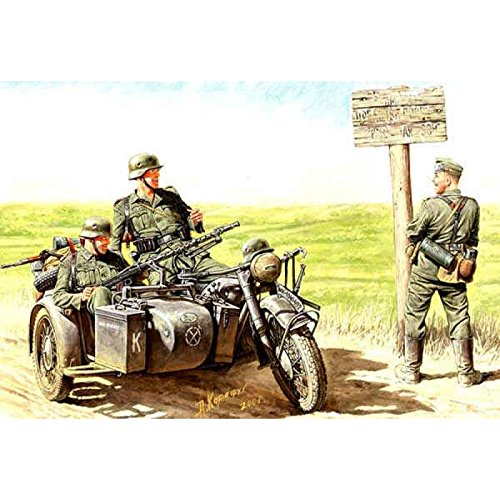 Master Box WWII German BMW R75 Motorcycle and 4 Motorcyclists 1940-43 Figure Model Building Kits (1:35 Scale)