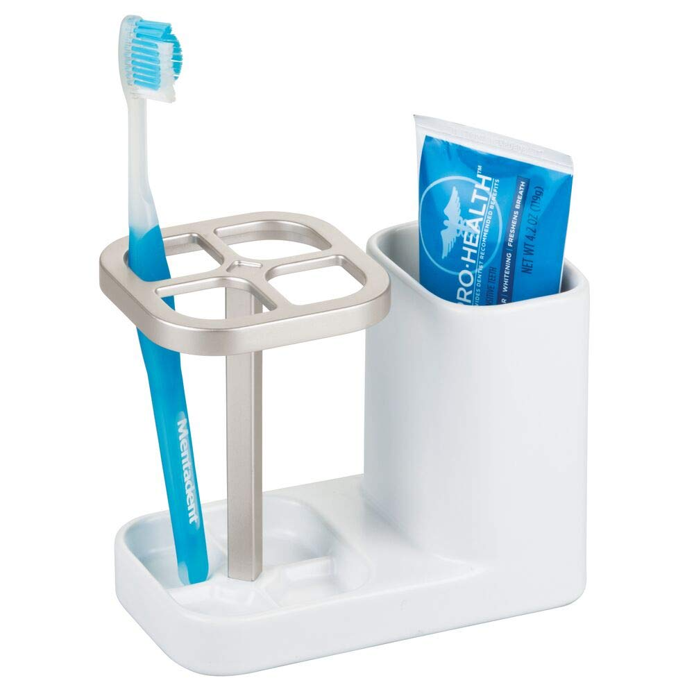 Salvaspazio per dentifricio e spazzolini da denti mDesign Set da 2 Bicchiere portaspazzolini in ceramica bianco//argento Porta spazzolini di alta qualit/à per lavandino o mobiletto bagno