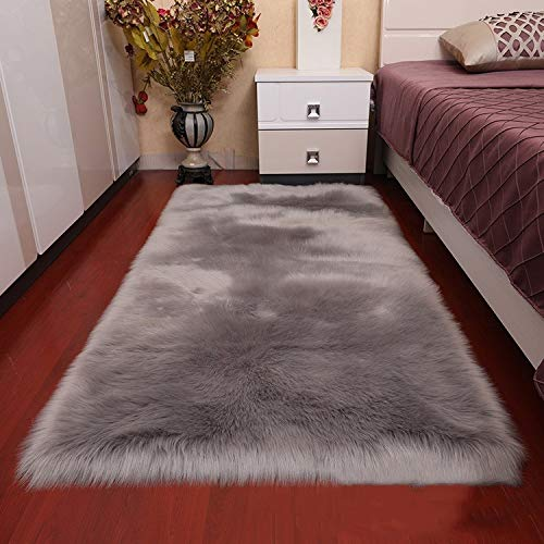 YONGAN Luxury Soft Faux Sheepskin Fur Area Rugs, Plush Sofa Cover Bedside Floor Mat Seat Pad of Bedroom, 2.3ft x 5ft (Power Gray)