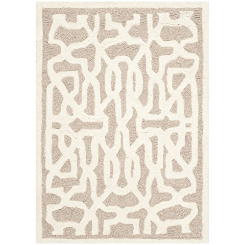 Safavieh Cambridge Collection CAM570J Handcrafted Moroccan Geometric Beige and Ivory Premium Wool Area Rug (2' x 3')