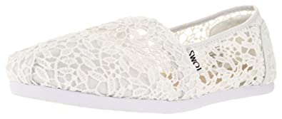 f99236b6bf3 Image Unavailable. Image not available for. Colour  Toms Women s Classic  Casual Shoe White Lace Leaves ...