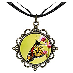 Chicforest Bronze Retro Style Beautiful Gather Pollen Butterfly Round Flower Pendant
