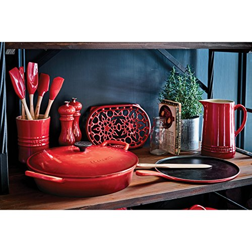 Le-Creuset-10-34-in-Crepe-Pan-with-Rateau-and-Spatula