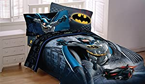 DC Comics Batman Guardian Speed Bedding Set with Reversible Comforter, 4-Pc Full Sheet Set, Window Panels