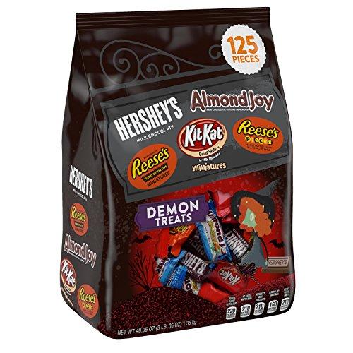 Chocolate Halloween Treats (HERSHEY'S Halloween Demon Treats Snack Size Assortment (48.05-Ounce Bag, 125 Pieces))