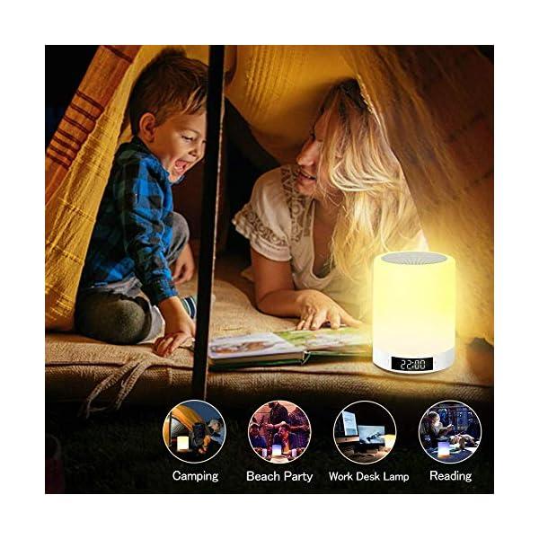 Lampe de Chevet Tacile Rechargeable Portable, Lampe de Table Enceinte Bluetooth Musique, FM Radio Réveil Lumière LED Multicolor Mains Libres pour Chambre à Coucher, Bureau, Salle de bébé Tikitaka 7