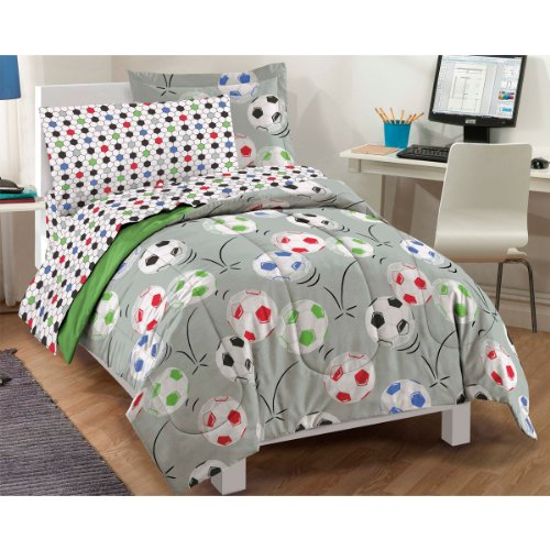 Soccer 5 Piece Bed in a Bag Set Size: Full by dream FACTORY