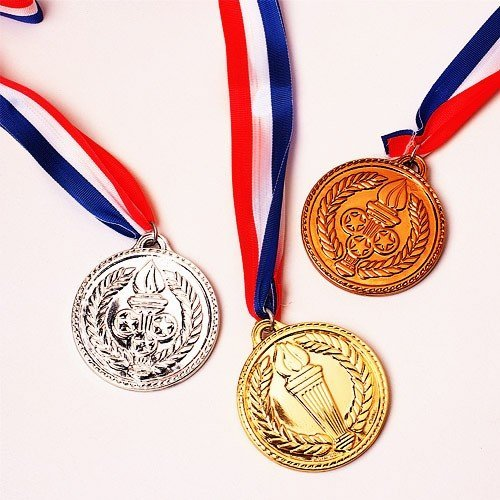 PAVILIA U.S. Toy Gold Medals, Pack of 12, 1.5-Inch - Michael Phelps Olympic Medals