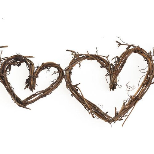 Decorative natural grapevine twig heart garland for home for Twig decorations home