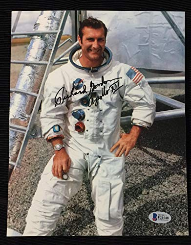 Richard Gordon Nasa Astronaut Autographed Signed 8x10 Photo With Beckett Coa