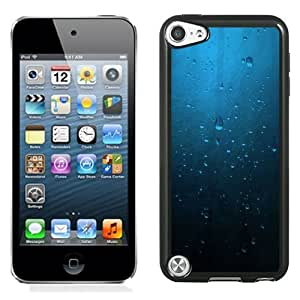 Beautiful Unique Designed iPod Touch 5 Phone Case With Minimalistic Blue Rain On Window_Black Phone Case