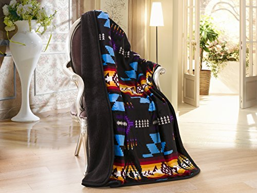 (Southwest Design (Navajo Print) Sherpa Lined Throw 16112 Black)