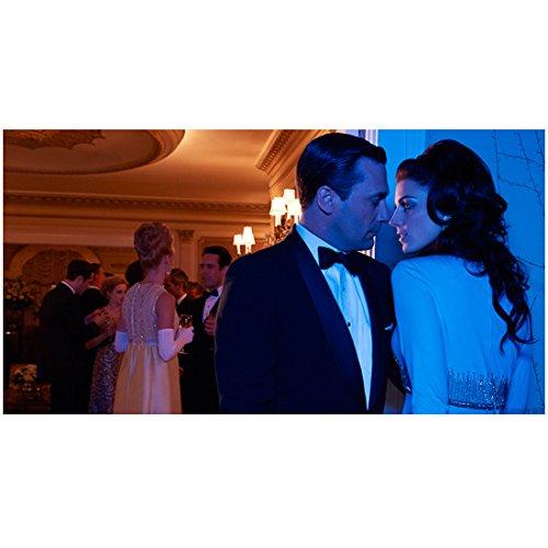 Mad Men Don and Megan Draper Posing Seductively At Cocktail Party 8 x 10 - And Draper Megan Don