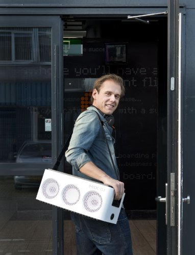 Philips DS8900/ M1X-DJ Sound System Docking Station and Bluetooth Designed With Armin Van Buuren by Philips (Image #5)