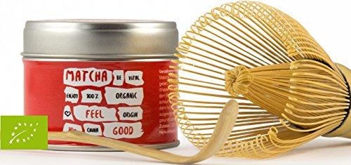 Vegavero Feel Good Bio Matcha, Grüntee in schöner Aromaschutz-Teedose im Set mit Orginal Matcha Besen und Löffel, vegan, 30g