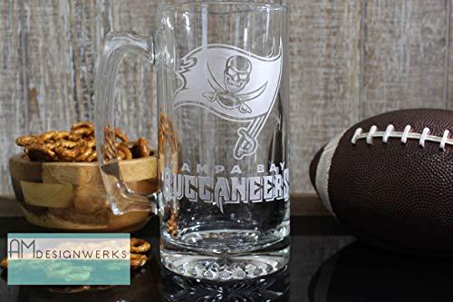 Tampa Bay Buccaneers Jumbo 28.5oz Hand Etched Glass Beer Mug ()