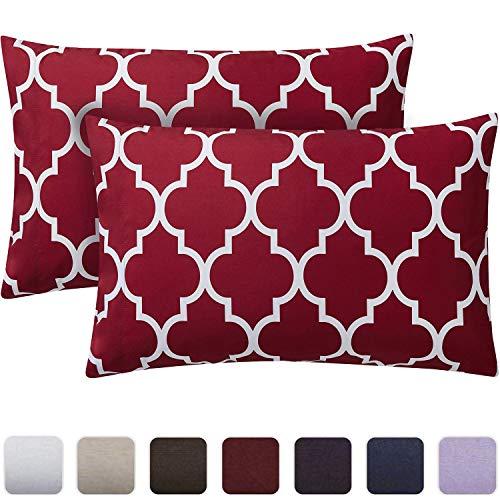 Mellanni Luxury Pillowcase Set - Brushed Microfiber Printed Bedding - Wrinkle, Fade, Stain Resistant - Hypoallergenic (Set of 2 Standard Size, Quatrefoil Burgundy Red)