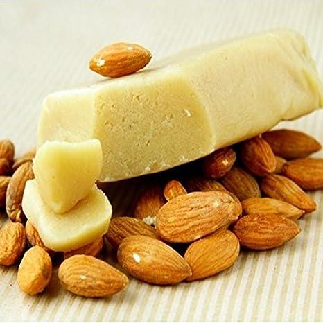 Bloque de almendra siciliana de primera calidad. El alto porcentaje de almendra lo hace ideal para leche y granisados densos y cremosos del fuerte sabor de ...