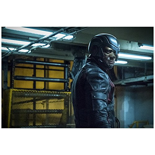 David Ramsey 8 inch x 10 inch Photograph Arrow (TV Series 2012 -) Standing Head Turned Right w/Pipes in Background kn ()