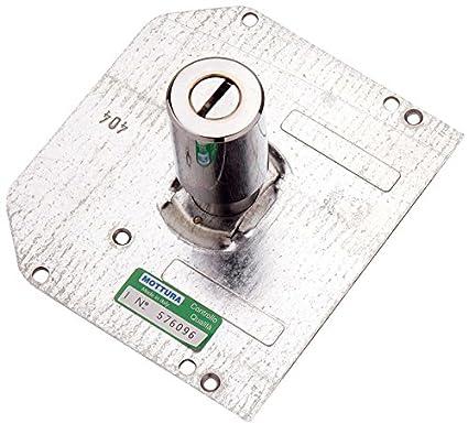 Cilindro de pompa con 3 llaves y placa externa.