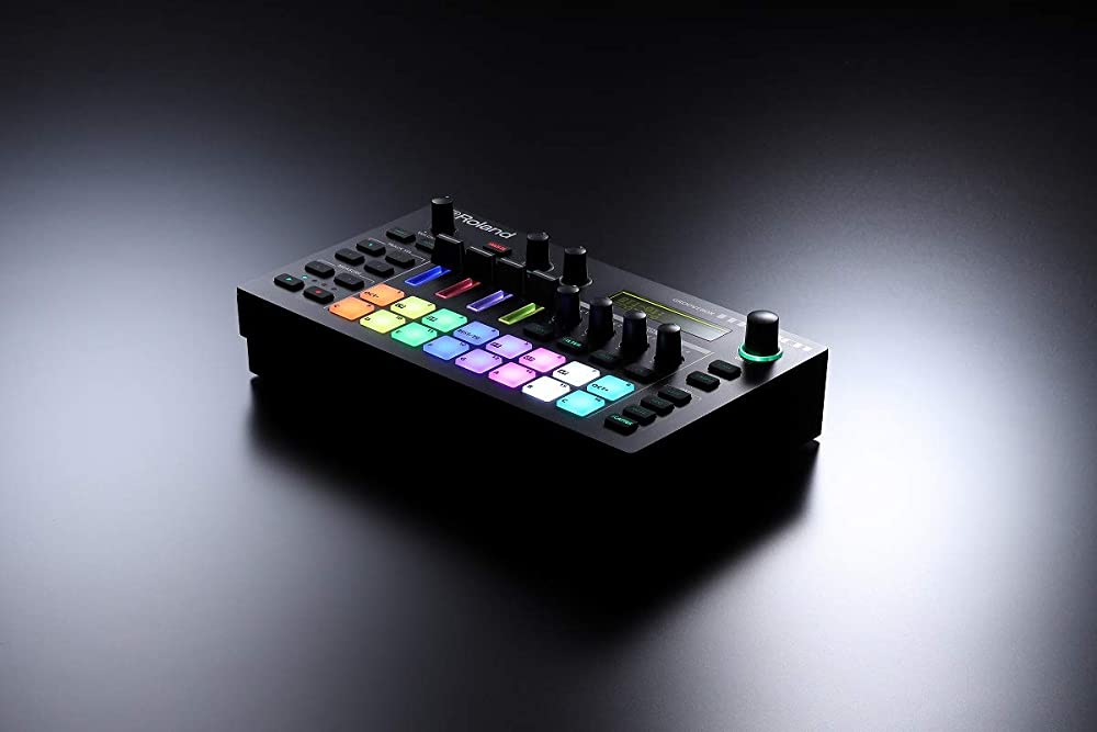 Roland MC-101 GROOVEBOX AIRA