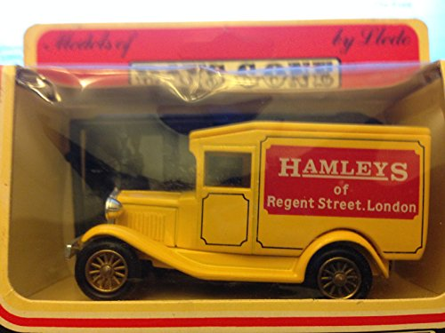 Lledo Models of days Gone Hamleys of Regent Street London With 3 Figures