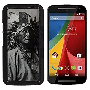 Paccase / SLIM PC / Aliminium Casa Carcasa Funda Case Cover para - Popular Indian Photograph Feathers Old Man Native - Motorola MOTO G 2ND GEN II