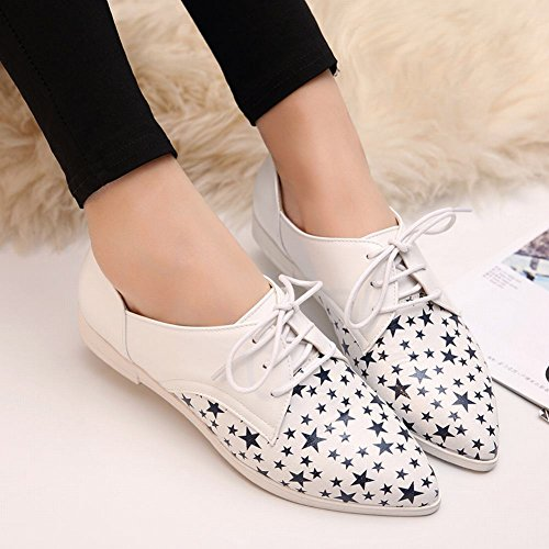 Carolbar Womens Pointed Toe Fashion Star Shaped Pattern Lace up Low Heel Oxfords Shoes White RjF5znmjce