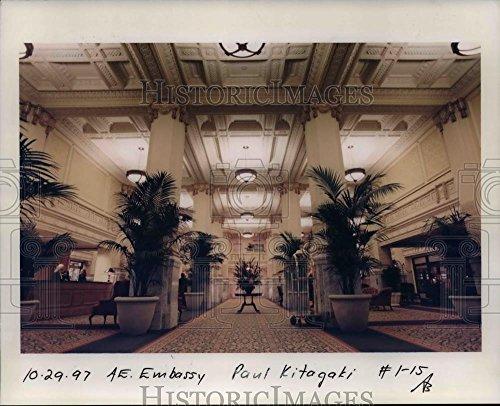1997 Press Photo Hotel Motel Embassy Suites   Orb74961