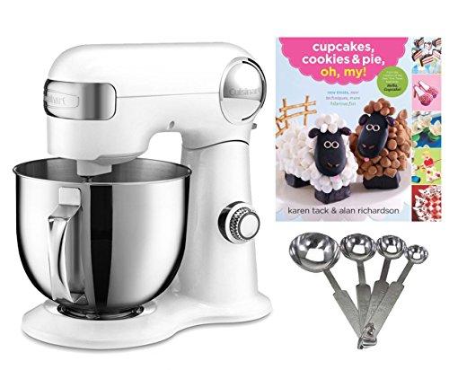 Cuisinart 5.5-quart Mixer + Measuring Spoon Set + Cupcake Bo