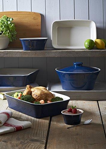 Mason Cash Round Stoneware Casserole Dish and Lid, 2-1/2-Liters, Classic Blue