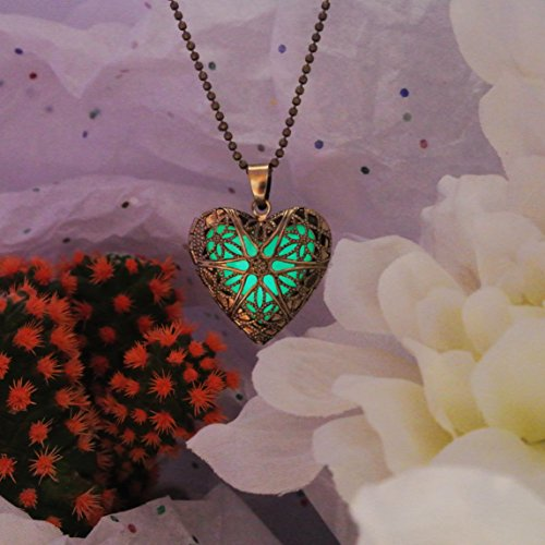 Gold Heart Glow In the Dark Necklace Jewelry Pendant Steampunk Fairy Magical (Green)