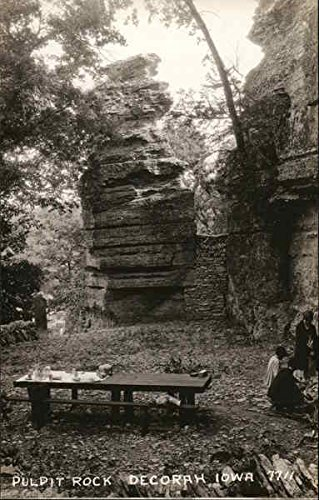 (Pulpit Rock Decorah, Iowa Original Vintage Postcard)